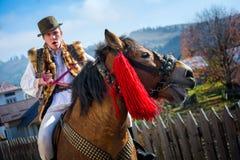 Roemeens traditioneel kostuum in Bucovina-provincie op vieringstijd stock fotografie