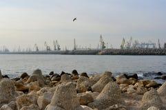 Roemeense scheepswerf in stad Constanta Stock Foto's