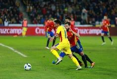 Roemeense voetbalster Nicolae Stanciu in actie tegen Spanje Royalty-vrije Stock Afbeelding