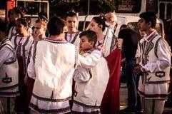 Roemeense Volksdansers op Nationale Soevereiniteit en Kinderen` s Dag - Turkije Stock Fotografie