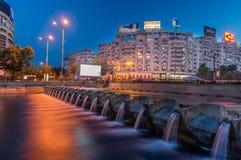 ROEMENIË, Boekarest - JUNI 12, 2014: Dambovitarivier in Buchares Stock Foto's