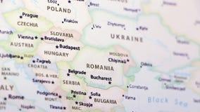 Roemenië op een kaart stock videobeelden