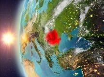 Roemenië tijdens zonsondergang van ruimte Royalty-vrije Stock Foto's