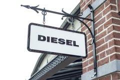 Roermond, die Niederlande 07 05 Logo 2017 des Dieseljeans Speichers im Einkaufsviertel Mc Arthur Glen Designer Outlet Lizenzfreie Stockfotos