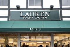 Roermond, holandie 07 05 2017 logo i sklep Ralph Lauren robi zakupy teren Przechujemy Mc Arthur roztoki projektanta ujście Fotografia Royalty Free