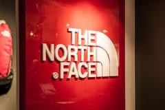 Roermond, holandie 07 05 2017 logo Północnej twarzy Plenerowy sklep Mc Arthur roztoki projektanta ujście robi zakupy teren Zdjęcia Stock