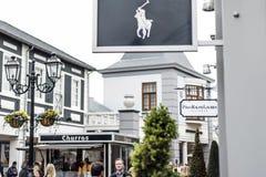 Roermond, holandie 07 05 2017 logo Polo Ralph Lauren sklep w Mc Arthur roztoki projektanta ujściu robi zakupy teren Zdjęcie Stock