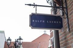 Roermond Nederländerna 07 05 Logo Sign 2017 av den Ralph Lauren Store Mc Arthur Glen formgivaren Outlet som shoppar område fotografering för bildbyråer