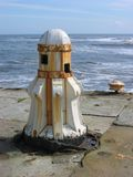Roestende kaapstander op zeedijk Royalty-vrije Stock Fotografie