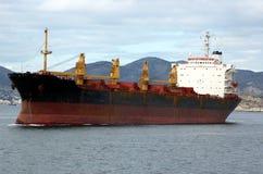 Roestig commercieel schip stock foto's