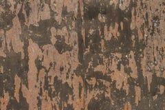 roestig ijzer op de witte achtergrond Stock Afbeeldingen