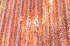 Roestig oud zink, de roestige golftextuur van het ijzermetaal stock fotografie