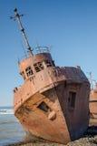 Roestig schip stock foto's