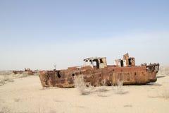 Roestige boten van het Aral Overzees Stock Foto