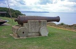 Roestige canon die Tankerton overziet Royalty-vrije Stock Afbeelding