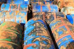 Roestige chemische trommels Royalty-vrije Stock Fotografie