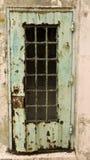 Roestige Deur in Alcatraz stock foto's