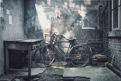 Roestige fietsen Royalty-vrije Stock Afbeeldingen