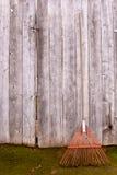 Roestige hark Stock Foto's
