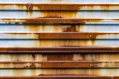 Roestige ijzerpoort stock afbeelding