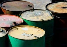 Roestige olievaten Stock Fotografie