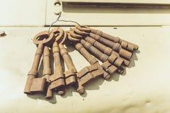 Roestige oude sleutels Stock Foto