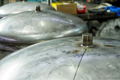 Roestvrij staalcontainer met kraan Royalty-vrije Stock Afbeeldingen