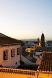 Rofftops på skymning, Antequera, Spanien. Arkivfoto