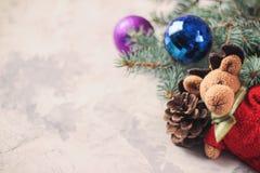 Rogacz, łoś, choinka, bawi się symbol boże narodzenia, nowy rok obrazy royalty free
