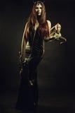 Rogata królowa z kordzikiem Zdjęcie Royalty Free