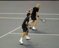 Roger Federer et Bjorn Borg dans les actions Photos stock