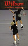 Roger Federerand Bjorn Borg dans les actions images stock