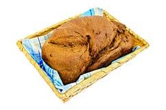 Rogge eigengemaakt brood in een mand Stock Afbeelding