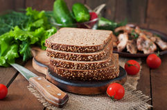 Roggebrood met zemelen royalty-vrije stock afbeeldingen