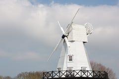 Roggewindmolen door de rivier Tillingham Stock Fotografie