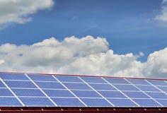Roh von den Sonnenkollektoren Stockfotos