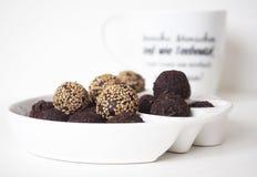 Rohe Bonbon-Bälle des strengen Vegetariers lizenzfreies stockfoto