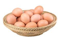 Rohe Eier auf weißem Hintergrund Lizenzfreie Stockbilder