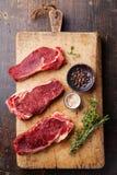 Rohe Frischfleisch Ribeye-Steakmittelrippe vom rind Stockfotos