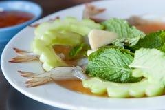 Rohe Garnele in der Fischsauce Stockbilder