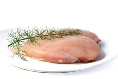 Rohe Hühnchen-Brust und wilder Fenchel Stockbild