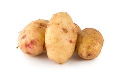 Rohe Kartoffel getrennt auf einem Weiß Lizenzfreies Stockfoto