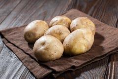 Rohe Kartoffeln Lizenzfreie Stockfotos