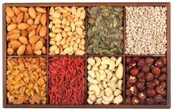 Rohe Nüsse und Samen Stockfoto