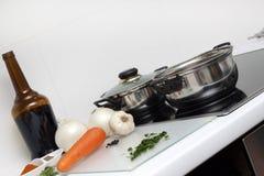 Rohe Nahrung und Kochen Lizenzfreie Stockfotografie