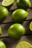Rohe organische grüne Kalke Lizenzfreie Stockfotografie