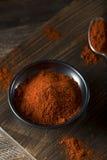 Rohe organische rote Paprika Spice Stockbilder