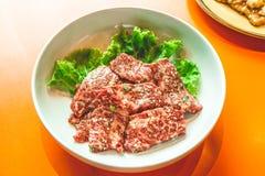 Rohe Rindfleischscheibe für Grill, japanisches Lebensmittel, Yakiniku Stockfotos
