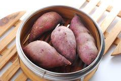 Rohe süße Kartoffel Lizenzfreie Stockfotos