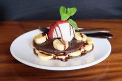 Rohe Schokoladen-Pfannkuchen Lizenzfreies Stockfoto